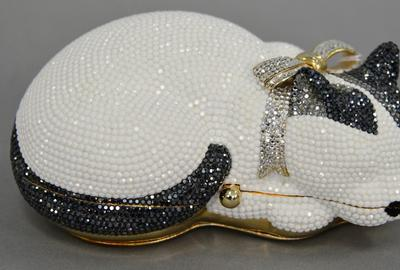 This adorable cat-themed purse is one of several Judith Leiber purses in the auction.