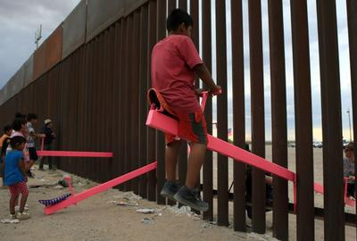 The Teeter-Totter Wall at the US-Mexico border won the 2020 Design of the Year award.  The Design Museum; Image: Luis Torres/AFP/Getty Images
