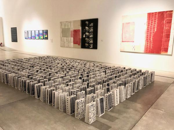 Juan Raul Hoyos, Compound: Installation of 513 recycled paper bags; serigraphy/silk screen painting; 500 x 500 cm; 2009-2010