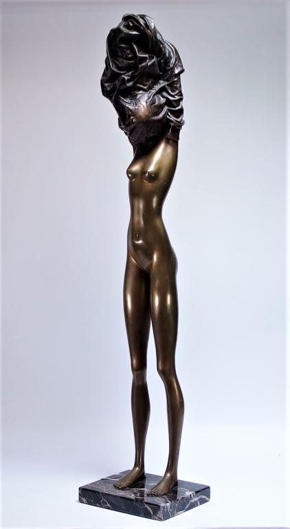 One of two bronze sculptures in the auction by Bruno Bruni (b.  1935), who is active today and living in Italy and Germany,