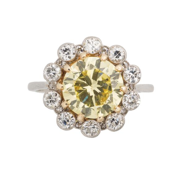 LOT 227: FANCY INTENSE YELLOW DIAMOND RING, 3.26 cts.