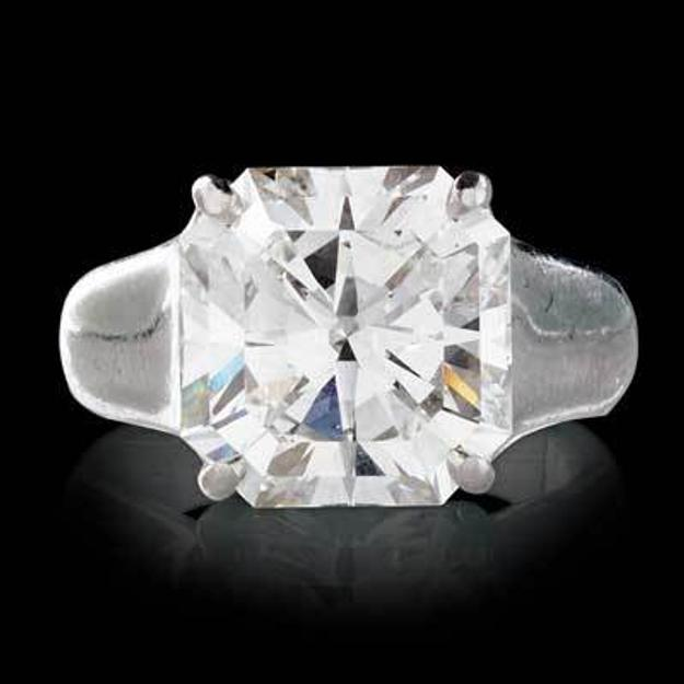 "Lot 2518: 6.43 Cts.  Tiffany & Co.  ""Lucida"" Diamond Ring $200,000 - 400,000"