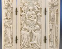 The details in these elaborately carved triptychs were amazing and important for conveying their stories.