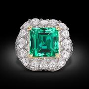 This incredible, untreated 5.66 carat Colombian emerald displays the perfect color and exceptional clarity.  The stone is certified to be untreated, meaning its beauty is entirely natural.