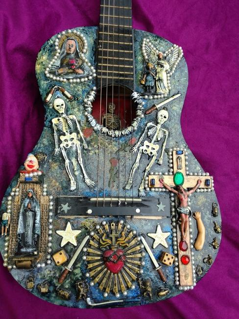 Asa Brebner, Guitarra Demuerte, 2012.  Brebner was a member of the 1970s rock groups The Modern Lovers & Robin Lane and the Chartbusters.
