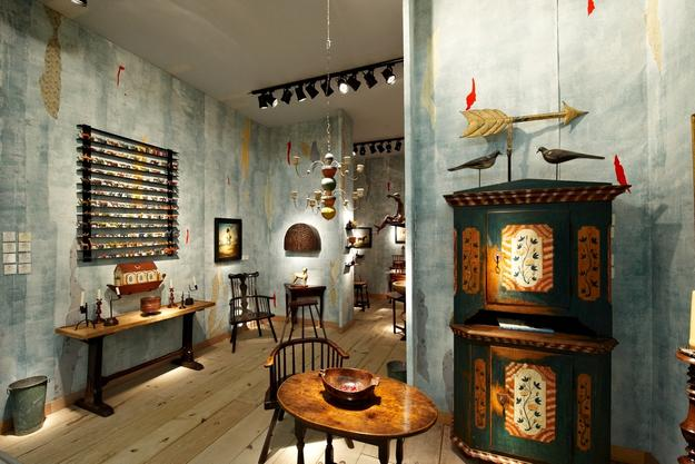 "Robert Young Antiques at Masterpiece London - ""Stand of the Year, Highly Commended ."""