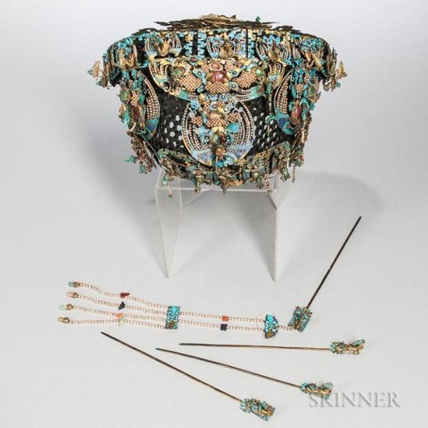 Kingfisher Feather Headdress and Four Hairpins in Skinner's September Asian Works of Art Auction sold on Bidsquare for $110,700