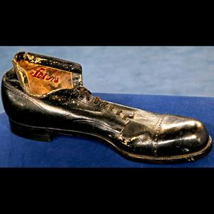 Robert Wardlaw shoe, size 35