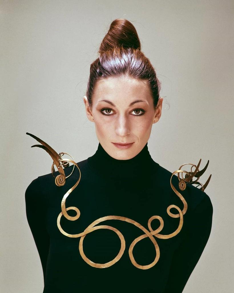 Anjelica Huston wearing The Jealous Husband (c.  1940) by Alexander Calder, 1976, photo by Evelyn Hofer