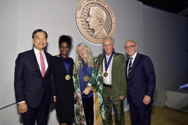 David L.  Lee, Lorna Simpson, Mary Beard, Ed Ruscha and J.  Paul Getty Trust President and CEO James Cuno attend The J.  Paul Getty Medal Dinner 2019 at The Getty Center on September 16, 2019 in Los Angeles, California.  (Photo by Stefanie Keenan/Getty Images for The J.  Paul Getty Trust)