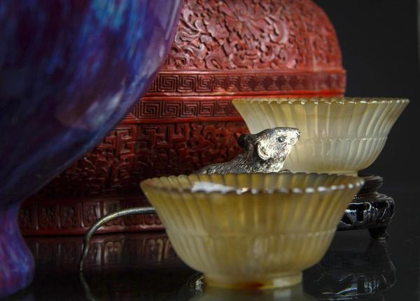 In the Year of the Rat, several fine Chinese items will cross the block Feb.  16, including agate bowls, flambe vases and a cloisonne box.