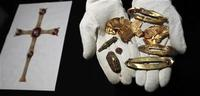 Anglo=Saxon hoard, Reuters.