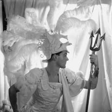 Oliver Messel by Cecil Beaton, 1932.  © The Cecil Beaton Studio Archive at Sotheby's