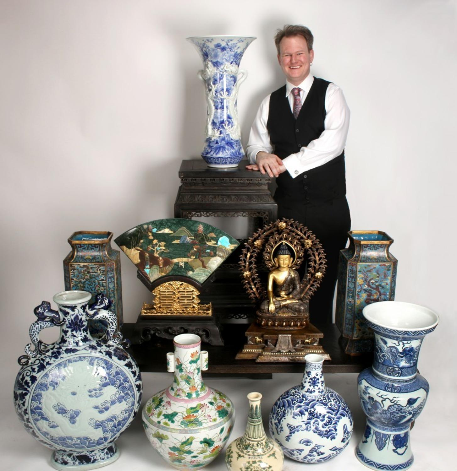 Over 300 Hand-selected Chinese Antiques Are In Converse