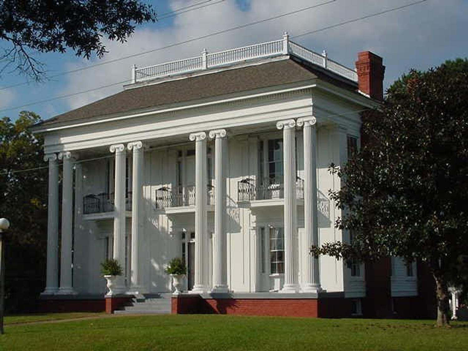 The antebellum Greek Revival home in Aberdeen, Mississippi