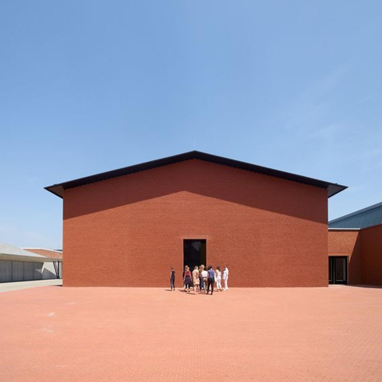 Vitra design museum opens schaudepot building designed by for Vitra museum basel