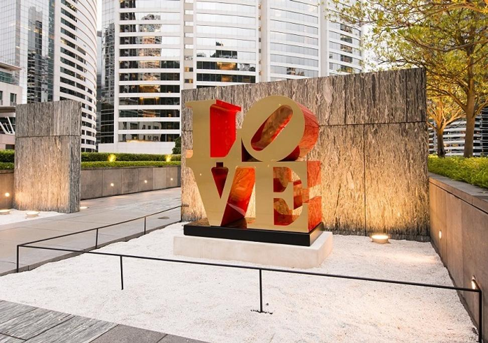 Robert Indiana, LOVE (1966/2002) at Asia Society Hong Kong Centre.