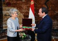 On February 15, UNESCO Director-General, Irina Bokova, met with the President of the Arab Republic of Egypt, His Excellency Abdel Fattah Al-Sisi, in Cairo, Egypt.  Bokova was awarded the Order of the Republic of the first Category highest Presidential.