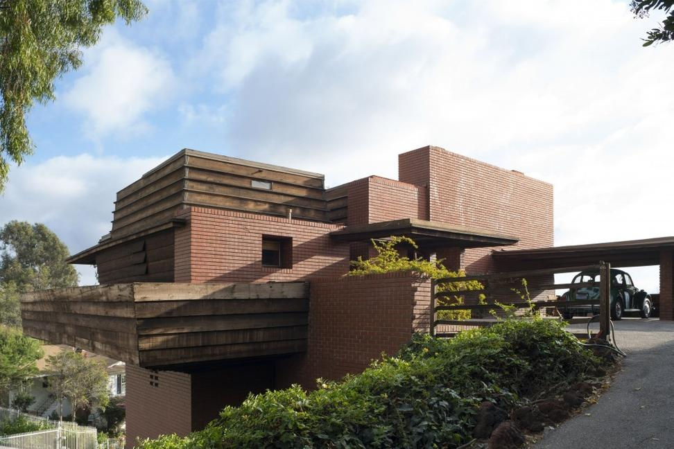 Frank Lloyd Wright's George D.  Sturges Residence, designed 1939, to be sold to benefit The Bridges/Larson Foundation.