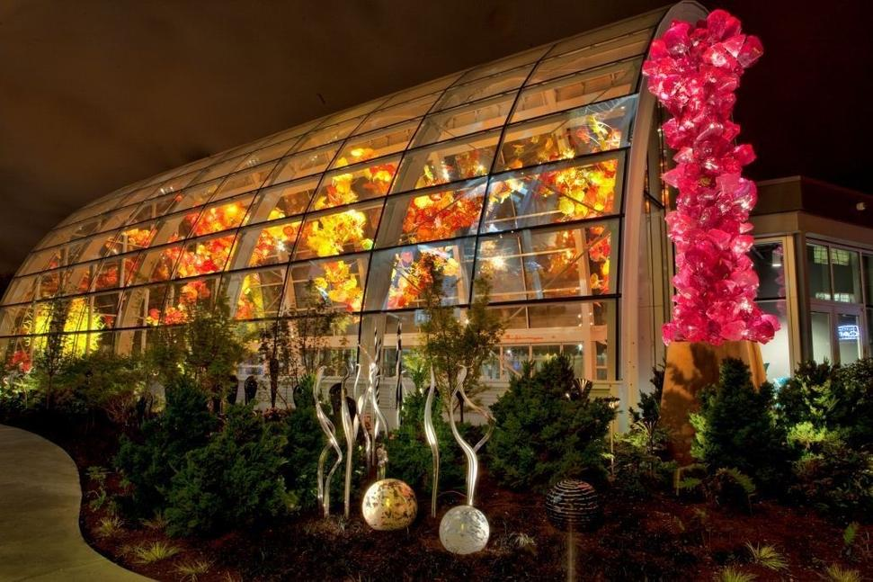 chihuly garden and glass provides a look at the career of artist dale chihuly located - Glass Garden Seattle