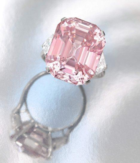 With An Estimate Of 27 38 Million Dollars This Perfectly Pink Diamond Ring Which Weighs Almost 25 Carats May Take In A World Record Price At Sothebys