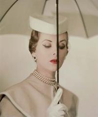Erwin Blumenfeld, Alternate of the Vogue U.S.A.  cover, March 15th, 1950 © The Estate of Erwin Blumenfeld.  Courtesy of the Nicéphore Niépce Museum, Chalon sur Saône, France.