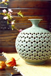 South Korea's Daeyoung Lee and the cooperative's other members create ceramics in several important traditional styles.