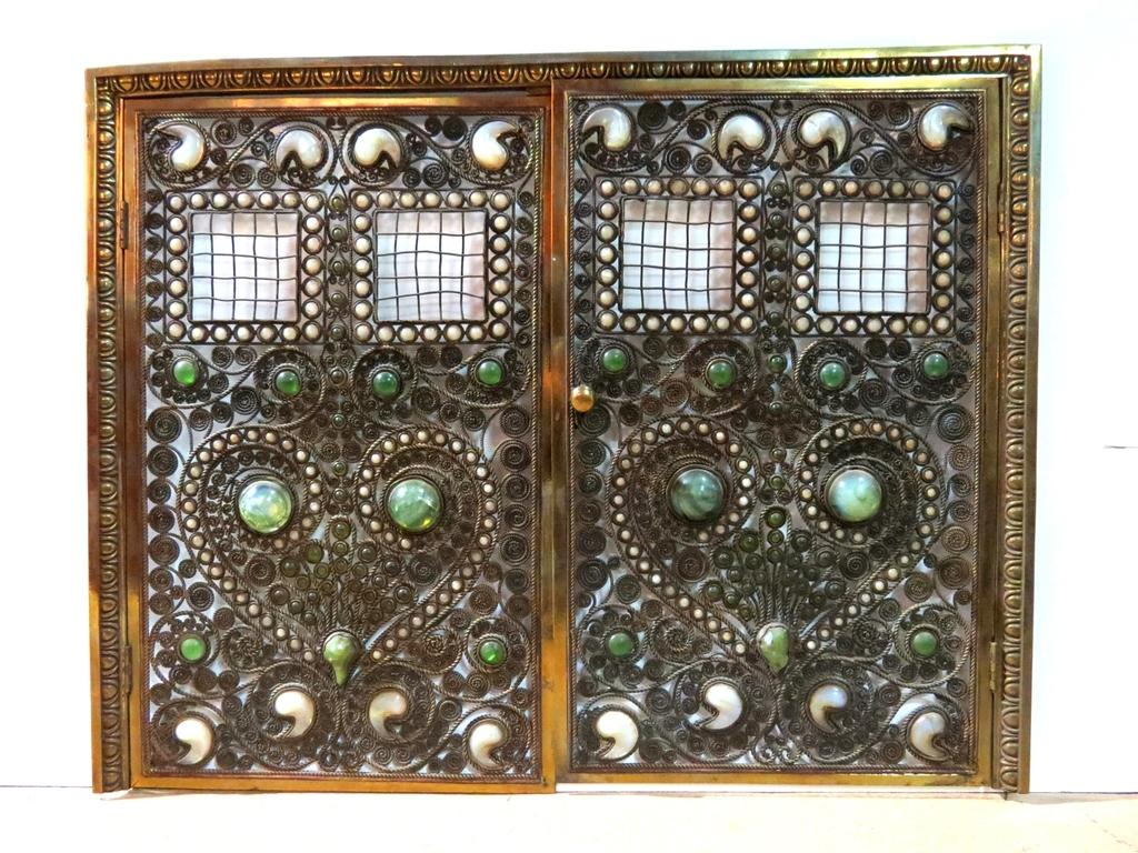 Beautiful Moorish Bronze Jeweled Fire Screen Attributed To Tiffany Studios  Brings $60,000 At Auction Amazing Design