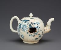 A teapot discovered to be an example of American-made hard paste porcelain