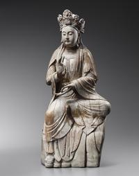 Large wood sculpture of Guanyin, Song Dynasty (960-1279) Photo Credit: photo Studio Roger Asselberghs - Frédéric Dehaen
