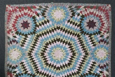 EXTRAORDINARY MONUMENTAL STARBURST WITH SATELLITE STARS QUILT