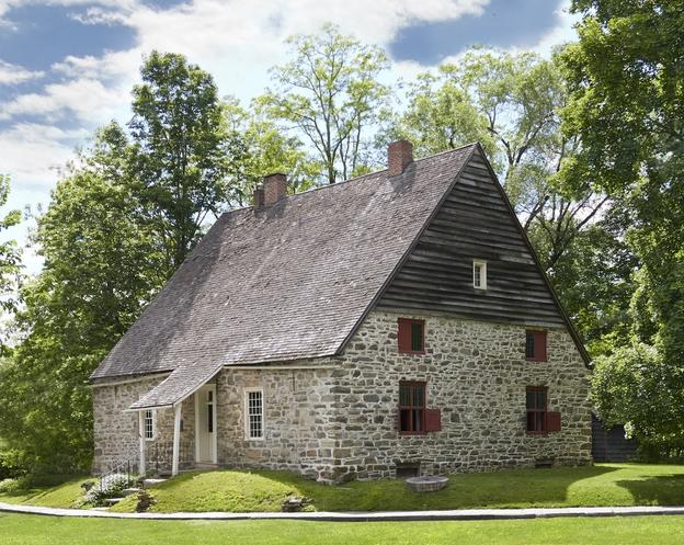 Jean Hasbrouck House (ca.  1721), Historic Huguenot Street, New Paltz, NY.  Photo by Pieter Estersohn, 2017.  Courtesy Historic Huguenot Street.