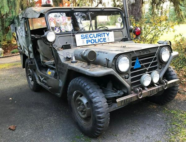 1962 M151 military Ford MUTT, date of delivery 06/62.  Estimate $8,000-$12,000