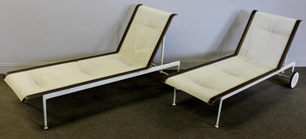 2 of 5 Richard Schultz for Knoll Chaise Lounges