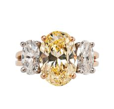 Colored Diamond Ring, Oscar Heyman (Lot 401, Estimate: $30,000-50,000)