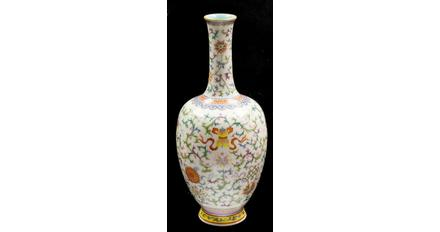A Chinese famille rose vase, Qianlong mark and of the period (1736-1795), sold for 300,000 pounds.
