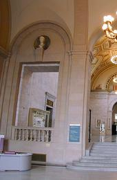 Woodward Lobby, Detroit Institute of Arts