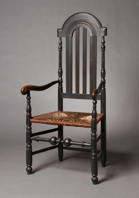 Rare William and Mary bannister-back armchair, manufactured along the Delaware River between Philadelphia and Wilmington, circa 1720.