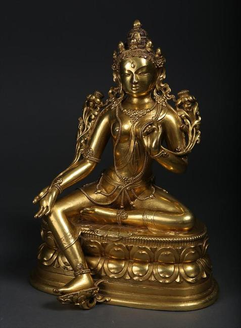 A Mongolian Gilt Bronze Seated Figure, Tara, 17th/18th century