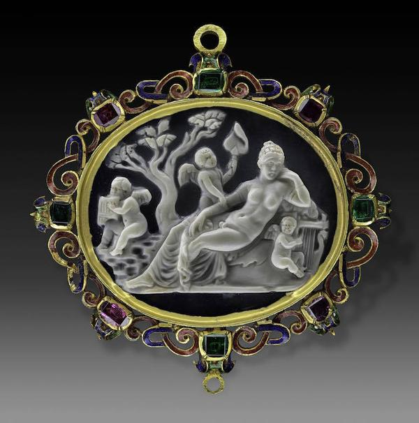Hermaphroditus.  Last quarter 1st century B.C.  (cameo).  Late 16th - early 17th centuries (mount).  Sardonyx, gold, enamel, garnets, emeralds.  Inv.  n.  14464.  From the collection of Leonardo Agostini, Rome; then collection of Cardinal Leopoldo de' Medici.