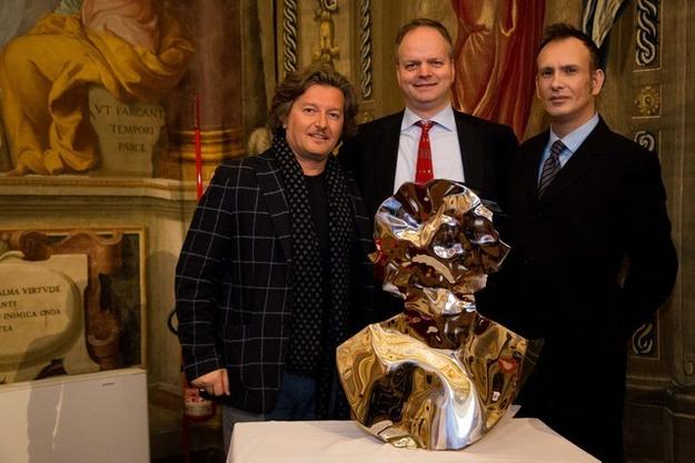 Uffizi Gallery Director Eike Schmidt was joined by Dr Diego Giolitti and award winning artist Helidon Xhixha to announce a forthcoming exhibition at the Boboli Gardens.