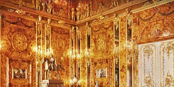 The Amber Room in the Catherine Palace, 1917.