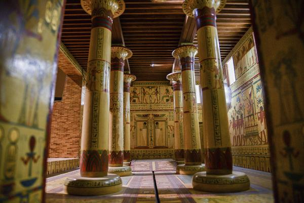 Throne Room Model—A modern model of the Throne Room of the pharaoh Merenptahfrom the site of Memphis.  Photo: Raffi Berberian.