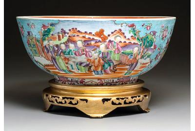 Chinese Export Porcelain Large Punch Bowl, Circa 1780.