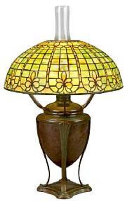 A Tiffany Studios Favrile glass and bronze Fleur de Lys lamp Estimate: $15,000 - 25,000