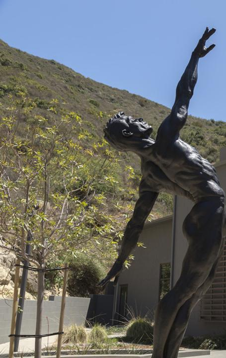 Richard MacDonald's powerful heroic male and female suite of sculptures, Allongé is also displayed at LCAD's East Campus.