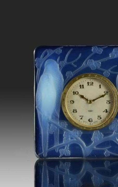 Inséparables Clock by René Lalique